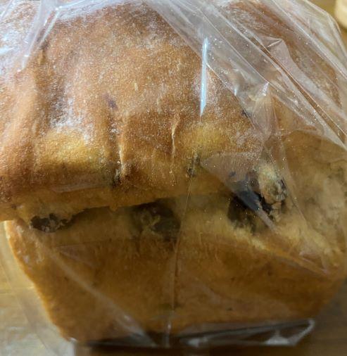 ずっしりレーズン食パン